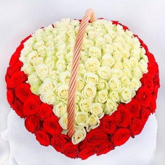 Сердце из 151 розы в корзине
