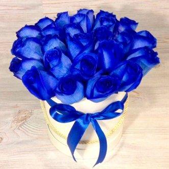 Синие розы в коробке