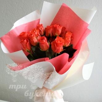 15-oranzhevykh-roz-v-bumage